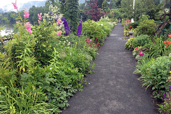 the Bridge of Flowers, a famous attraction within easy walking distance of Shelburne Falls