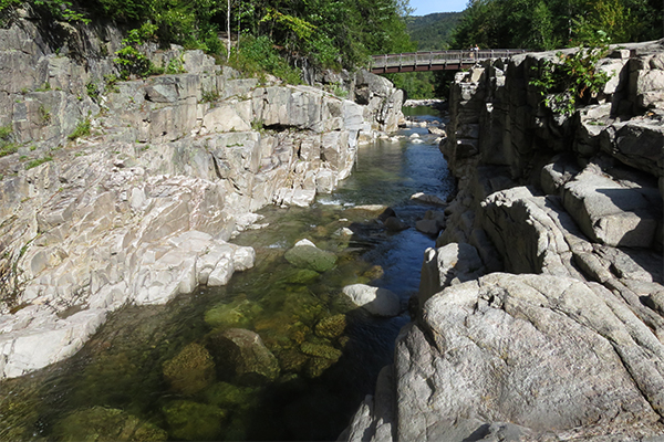 the view downstream form Rocky Gorge, New Hampshire