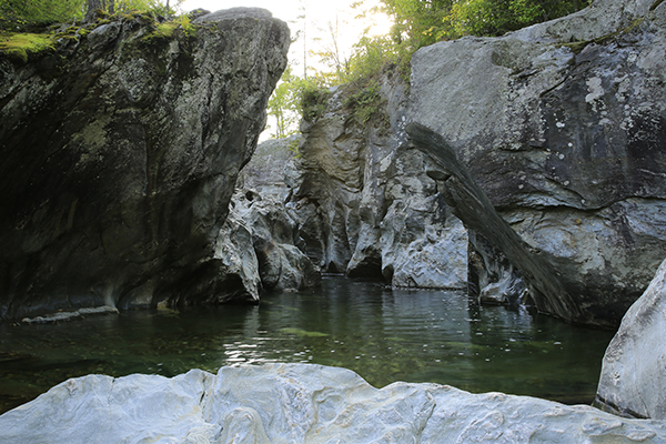 huntington gorge vermont. Black Bedroom Furniture Sets. Home Design Ideas
