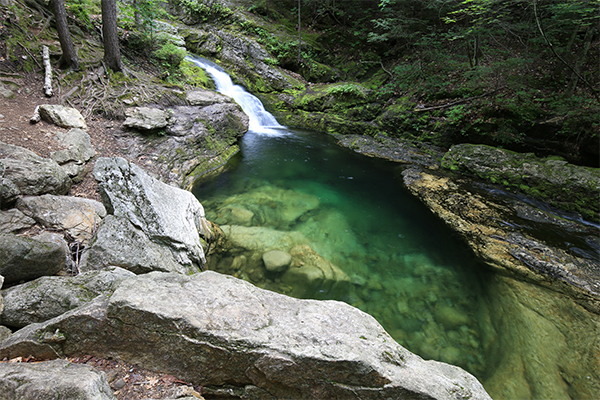 Rattlesnake Flume And Pool (Best Swimming Holes in New England)